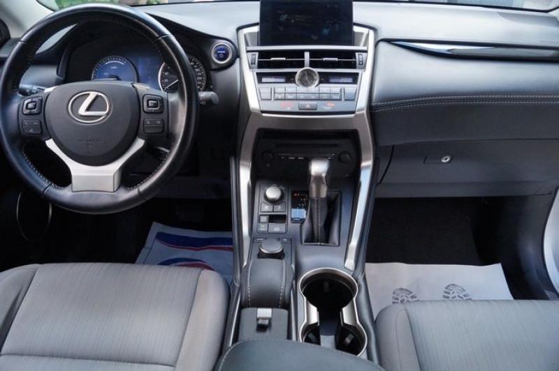 Photo 6 de l'offre de LEXUS NX 300H 2WD PACK à 22990€ chez Visiteauto.fr