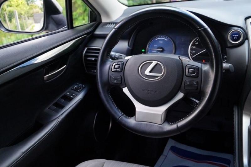 Photo 7 de l'offre de LEXUS NX 300H 2WD PACK à 22990€ chez Visiteauto.fr