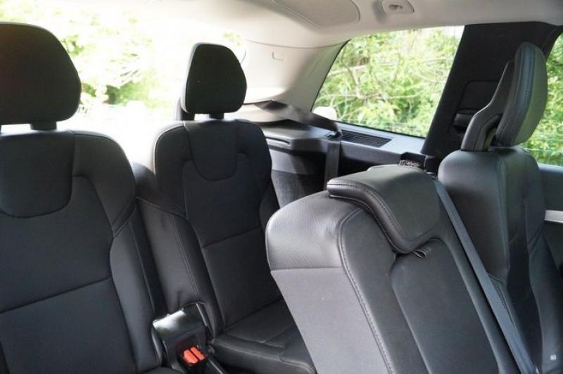 Photo 14 de l'offre de VOLVO XC90 D5 ADBLUE AWD 235CH MOMENTUM GEARTRONIC 7 PLACES à 35990€ chez Visiteauto.fr