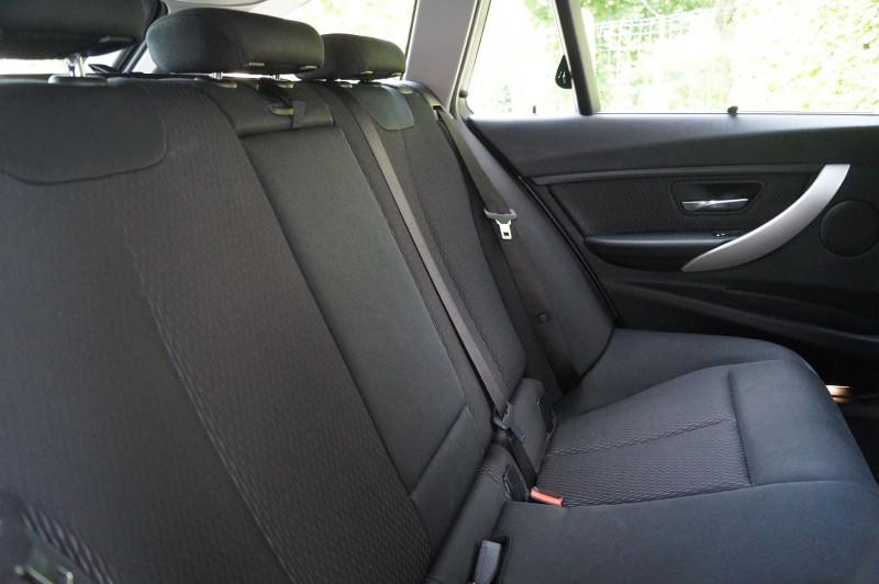 Photo 14 de l'offre de BMW SERIE 3 TOURING (F31) 320I 184CH LOUNGE à 17990€ chez Visiteauto.fr