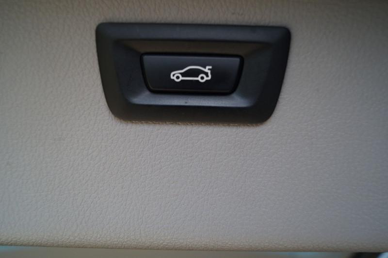 Photo 17 de l'offre de BMW SERIE 3 TOURING (F31) 320I 184CH LOUNGE à 17990€ chez Visiteauto.fr