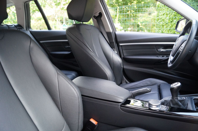 Photo 9 de l'offre de BMW SERIE 3 TOURING (F31) 318D 150CH BUSINESS DESIGN à 21990€ chez Visiteauto.fr