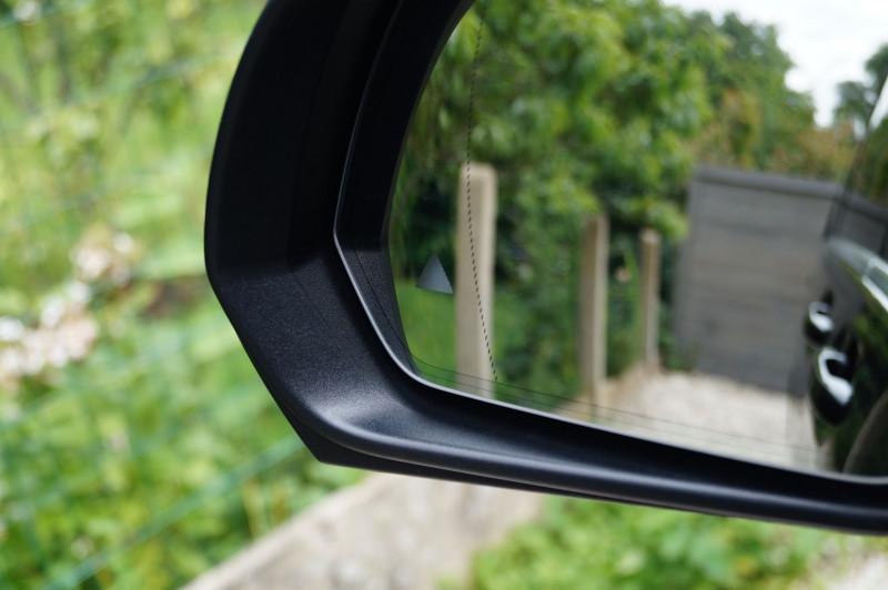 Photo 17 de l'offre de MERCEDES-BENZ CLASSE V 250 D EXTRA-LONG FASCINATION 4MATIC 7G-TRONIC PLUS à 51990€ chez Visiteauto.fr