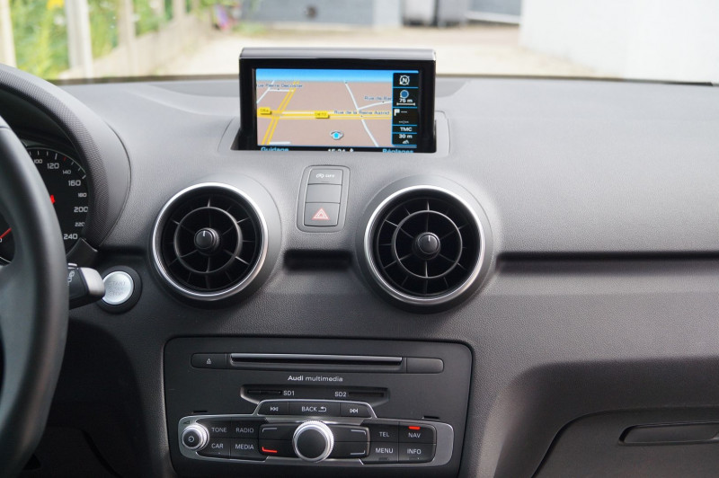 Photo 8 de l'offre de AUDI A1 SPORTBACK 1.4 TDI 90CH ULTRA GPS - KEYLESS à 15890€ chez Visiteauto.fr