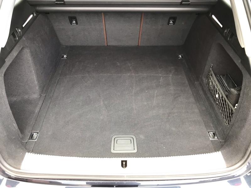 Photo 15 de l'offre de AUDI A4 AVANT 2.0 TDI 150CH ULTRA DESIGN LUXE à 21900€ chez auto-direct.fr