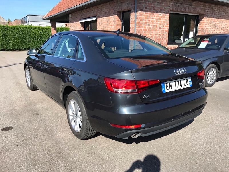 Photo 5 de l'offre de AUDI A4 2.0 TDI 150 CH BUSINESS LINE S TRONIC 7 à 20900€ chez auto-direct.fr