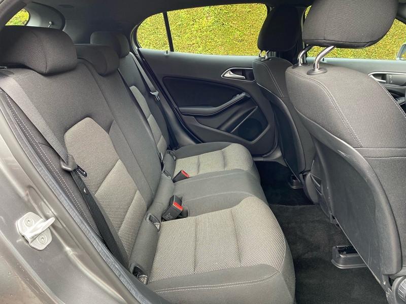 Photo 8 de l'offre de MERCEDES-BENZ CLASSE GLA (X156) 180 D BUSINESS EDITION à 20490€ chez auto-direct.fr
