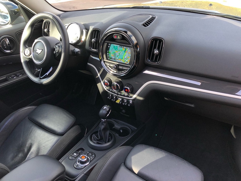Photo 9 de l'offre de MINI COUNTRYMAN COOPER SE 136CH + 88CH ALL4 CUIR + TOIT OUVRANT + GPS à 27680€ chez auto-direct.fr