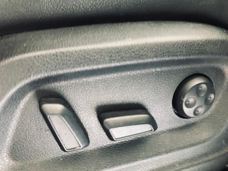 Photo 14 de l'offre de AUDI Q5 3.0 V6 TDI 240ch FAP Avus quattro S tronic 7 à 13990€ chez ADO - Auto Distribution Occitane - Toulouse