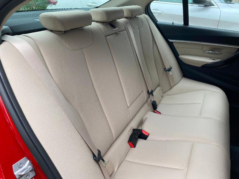 Photo 11 de l'offre de BMW Serie 3 318i 136ch Luxury à 20990€ chez ADO - Auto Distribution Occitane - Toulouse