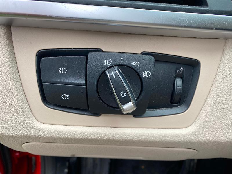 Photo 18 de l'offre de BMW Serie 3 318i 136ch Luxury à 20990€ chez ADO - Auto Distribution Occitane - Toulouse