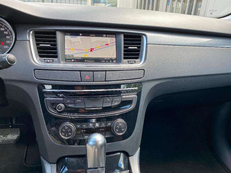 Photo 10 de l'offre de PEUGEOT 508 SW 1.6 BlueHDi 120ch Active Business S&S EAT6 à 12490€ chez ADO - Auto Distribution Occitane - Toulouse