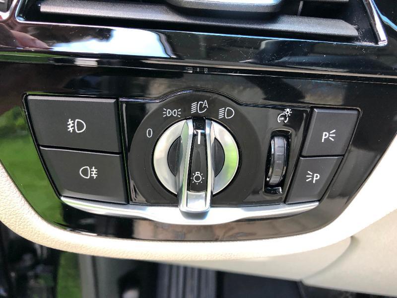 Photo 27 de l'offre de BMW Serie 5 530dA 265ch Luxury Steptronic à 34990€ chez ADO - Auto Distribution Occitane - Toulouse
