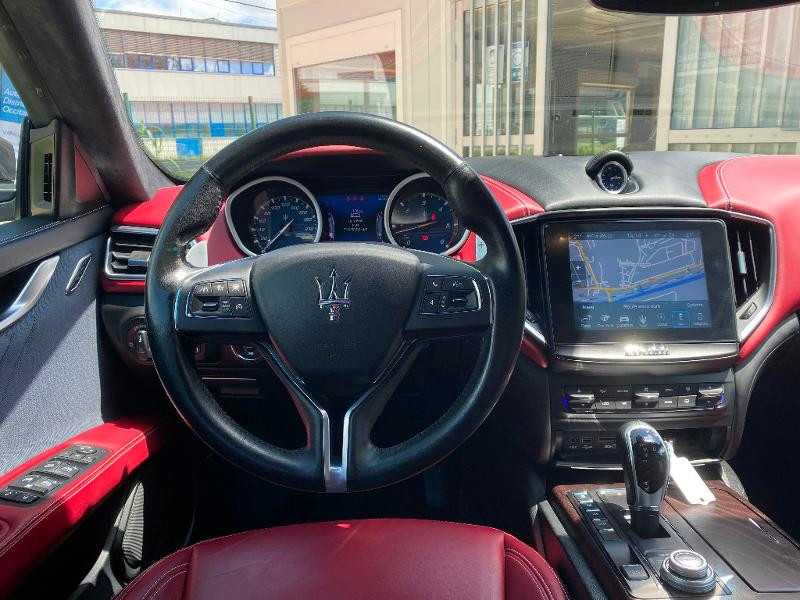 Photo 13 de l'offre de MASERATI Ghibli 3.0 V6 275ch Diesel GrandLusso à 47990€ chez ADO - Auto Distribution Occitane - Toulouse
