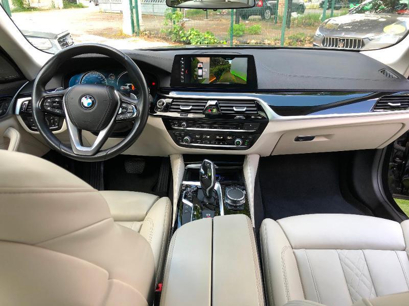 Photo 11 de l'offre de BMW Serie 5 530dA 265ch Luxury Steptronic à 34990€ chez ADO - Auto Distribution Occitane - Toulouse