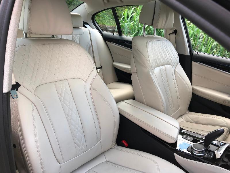 Photo 8 de l'offre de BMW Serie 5 530dA 265ch Luxury Steptronic à 34990€ chez ADO - Auto Distribution Occitane - Toulouse