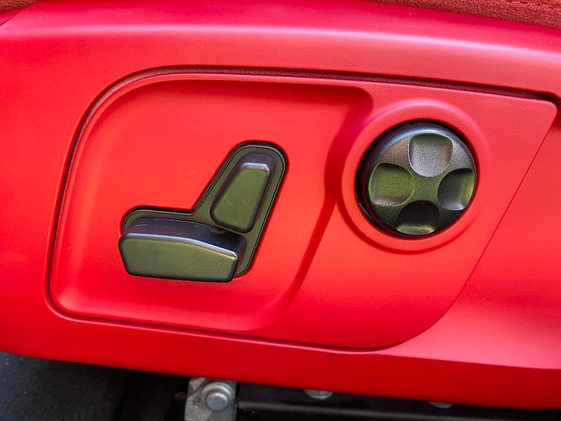 Photo 21 de l'offre de MASERATI Ghibli 3.0 V6 275ch Diesel GrandLusso à 47990€ chez ADO - Auto Distribution Occitane - Toulouse
