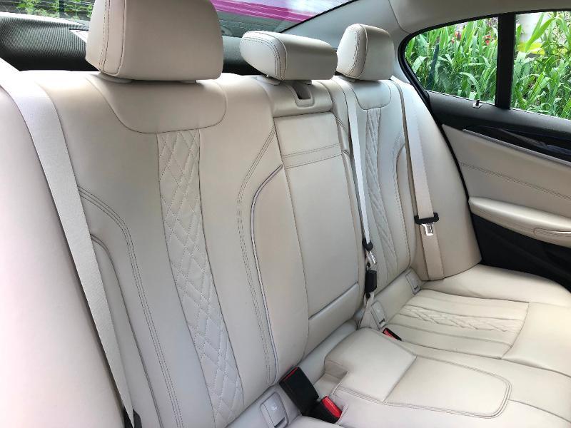Photo 9 de l'offre de BMW Serie 5 530dA 265ch Luxury Steptronic à 34990€ chez ADO - Auto Distribution Occitane - Toulouse