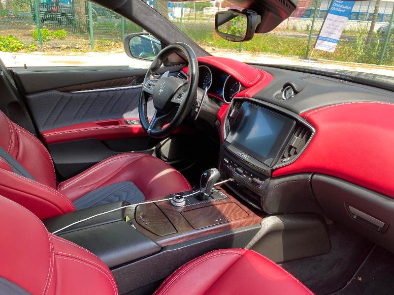 Photo 11 de l'offre de MASERATI Ghibli 3.0 V6 275ch Diesel GrandLusso à 47990€ chez ADO - Auto Distribution Occitane - Toulouse