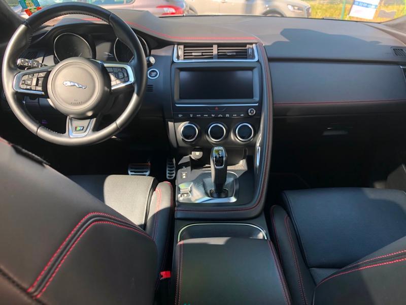 Photo 11 de l'offre de JAGUAR E-Pace 2.0D 180ch R-Dynamic Première Edition AWD BVA9 à 33990€ chez ADO - Auto Distribution Occitane - Toulouse