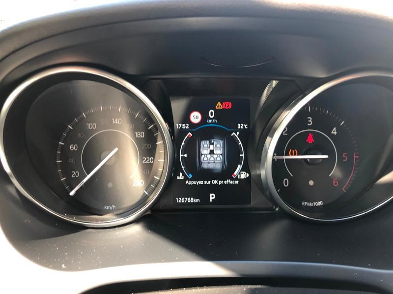 Photo 12 de l'offre de JAGUAR E-Pace 2.0D 180ch R-Dynamic Première Edition AWD BVA9 à 33990€ chez ADO - Auto Distribution Occitane - Toulouse