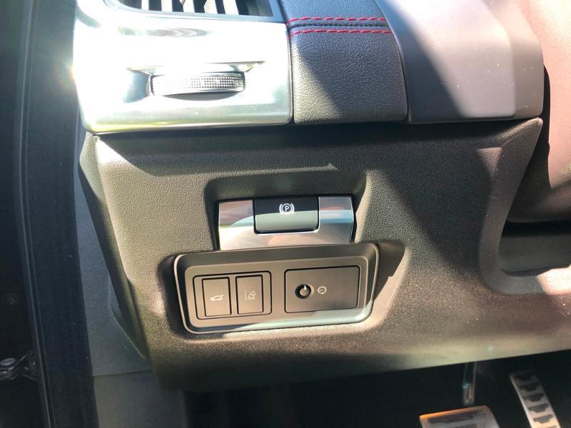 Photo 20 de l'offre de JAGUAR E-Pace 2.0D 180ch R-Dynamic Première Edition AWD BVA9 à 33990€ chez ADO - Auto Distribution Occitane - Toulouse
