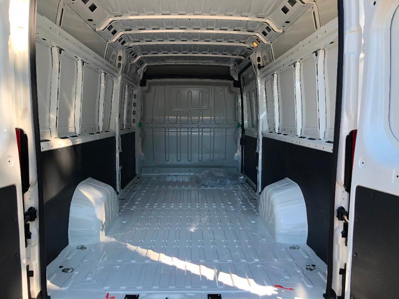 Photo 5 de l'offre de PEUGEOT Boxer Fg 435 L4H2 2.2 BlueHDi S&S 165ch Asphalt à 27990€ chez ADO - Auto Distribution Occitane - Toulouse