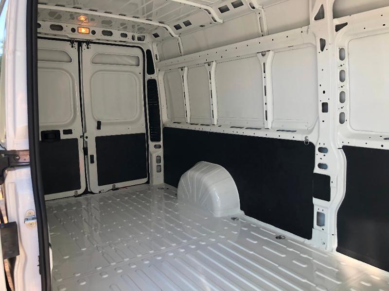 Photo 7 de l'offre de PEUGEOT Boxer Fg 435 L4H2 2.2 BlueHDi S&S 165ch Asphalt à 27990€ chez ADO - Auto Distribution Occitane - Toulouse