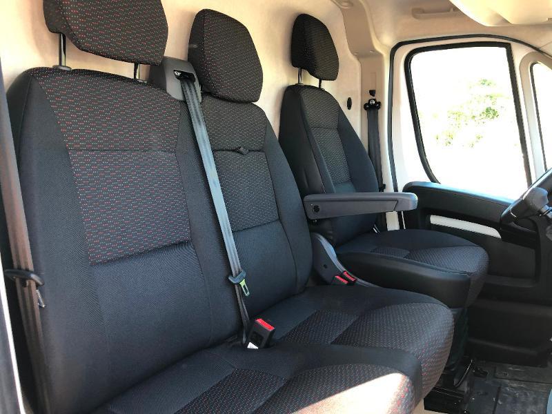 Photo 8 de l'offre de PEUGEOT Boxer Fg 435 L4H2 2.2 BlueHDi S&S 165ch Asphalt à 27990€ chez ADO - Auto Distribution Occitane - Toulouse