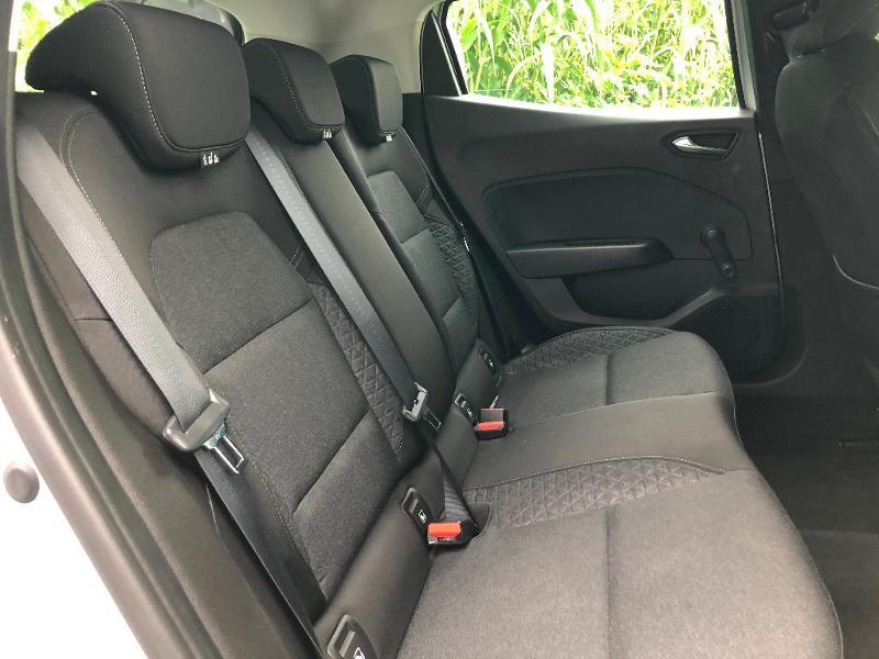 Photo 8 de l'offre de RENAULT Clio 1.5 Blue dCi 85ch Business à 13490€ chez ADO - Auto Distribution Occitane - Toulouse