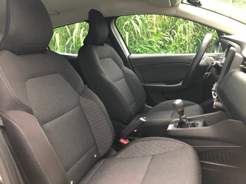 Photo 7 de l'offre de RENAULT Clio 1.5 Blue dCi 85ch Business à 13490€ chez ADO - Auto Distribution Occitane - Toulouse