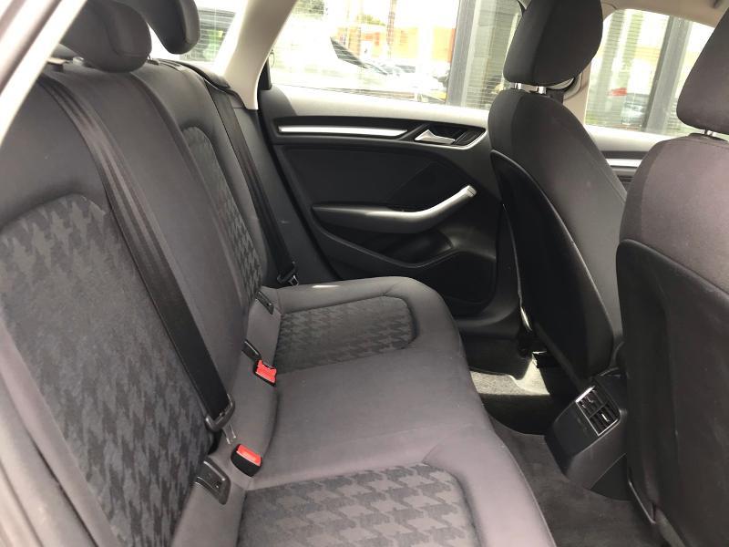 Photo 10 de l'offre de AUDI A3 Sportback 2.0 TDI 150ch FAP Ambition S tronic 6 à 15490€ chez ADO - Auto Distribution Occitane - Toulouse