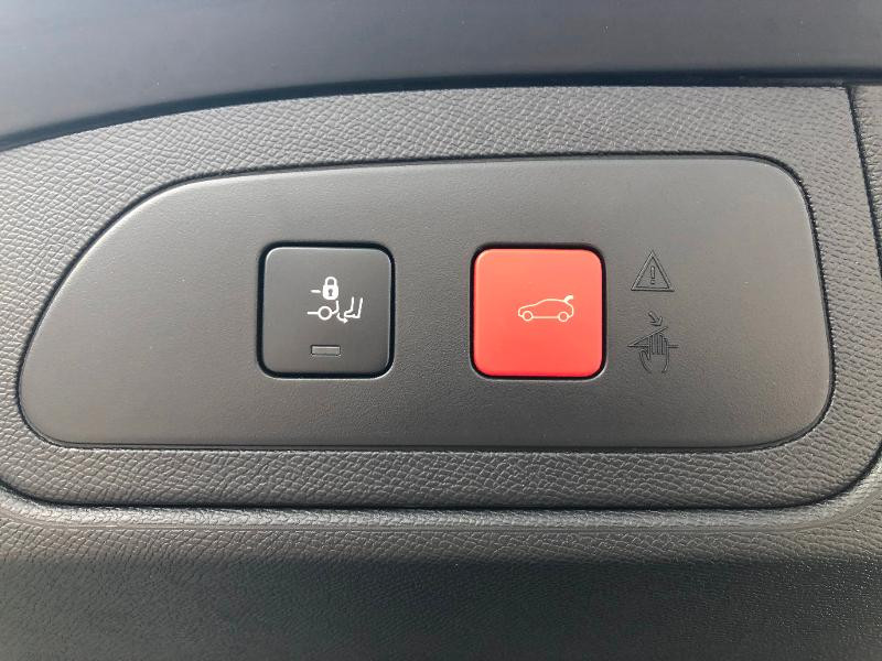 Photo 29 de l'offre de DS DS 7 Crossback BlueHDi 180ch Performance Line Automatique à 37990€ chez ADO - Auto Distribution Occitane - Toulouse