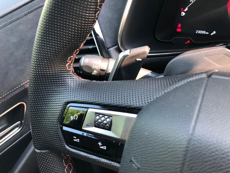 Photo 23 de l'offre de DS DS 7 Crossback BlueHDi 180ch Performance Line Automatique à 37990€ chez ADO - Auto Distribution Occitane - Toulouse
