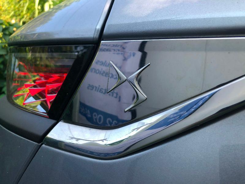Photo 8 de l'offre de DS DS 7 Crossback BlueHDi 180ch Performance Line Automatique à 37990€ chez ADO - Auto Distribution Occitane - Toulouse