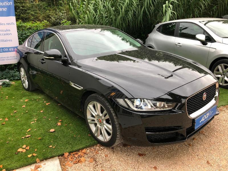 Jaguar XE 2.0D 180ch Prestige BVA8 Diesel Gris Foncé Métal Occasion à vendre