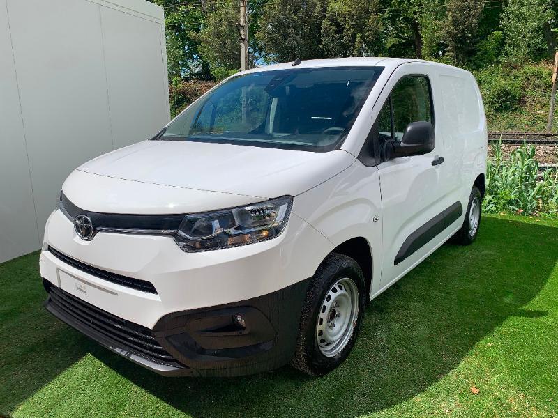 Toyota PROACE CITY Medium 100 D-4D Business Diesel Blanc Occasion à vendre
