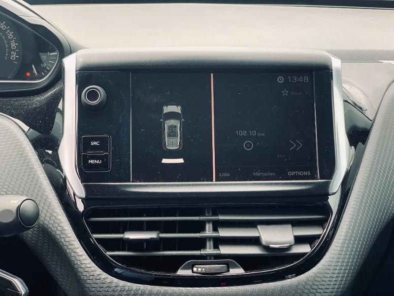 Photo 10 de l'offre de PEUGEOT 2008 Style 82 clim bluetooth radar ar garantie 12 mois à 11978€ chez Groupe Soriano