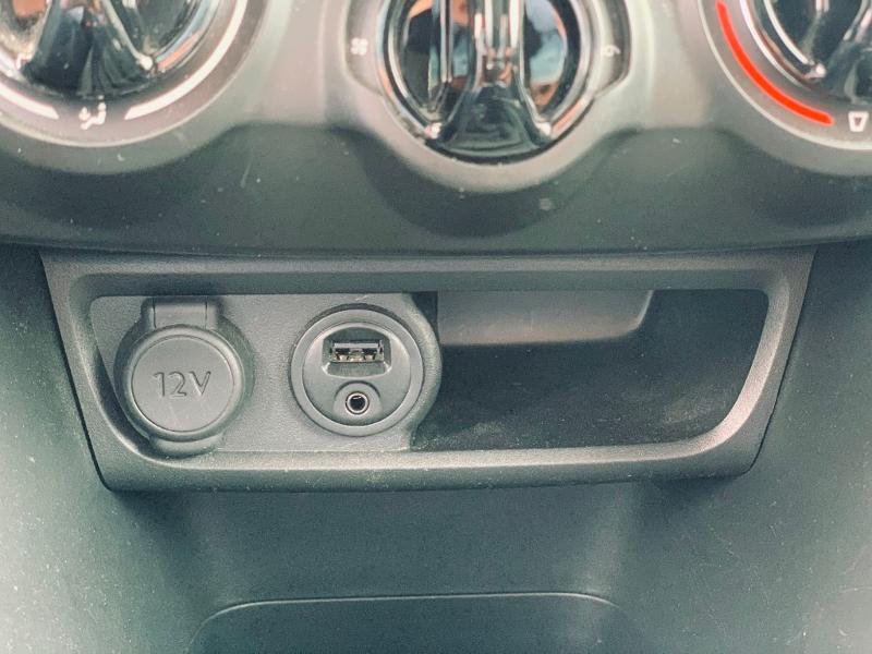 Photo 14 de l'offre de PEUGEOT 2008 Style 82 clim bluetooth radar ar garantie 12 mois à 11978€ chez Groupe Soriano