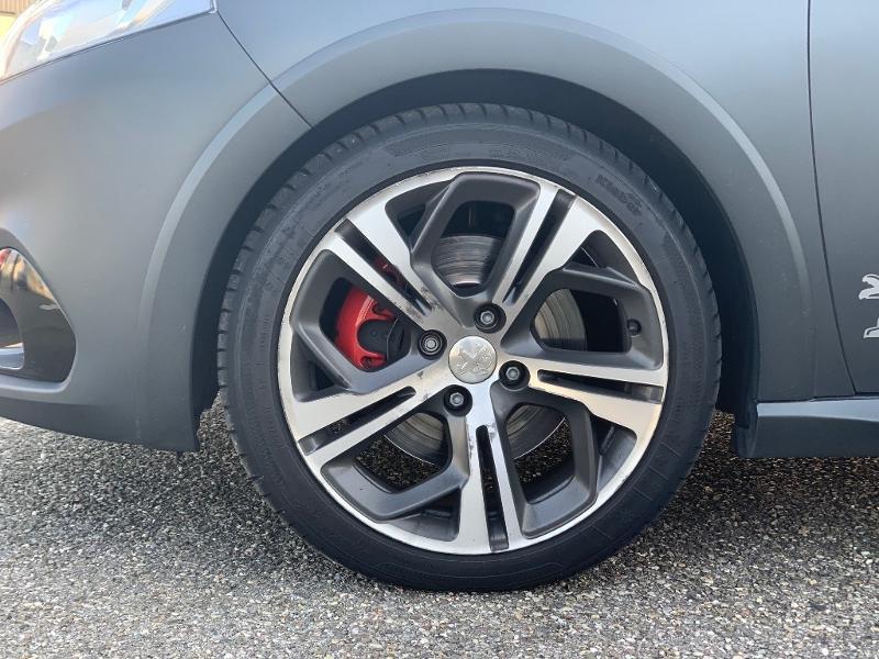 Photo 19 de l'offre de PEUGEOT 208 THP 208 GTi gps camera toit pano garantie 1 an à 17890€ chez Groupe Soriano