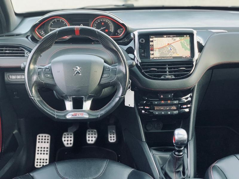 Photo 5 de l'offre de PEUGEOT 208 THP 208 GTi gps camera toit pano garantie 1 an à 17890€ chez Groupe Soriano