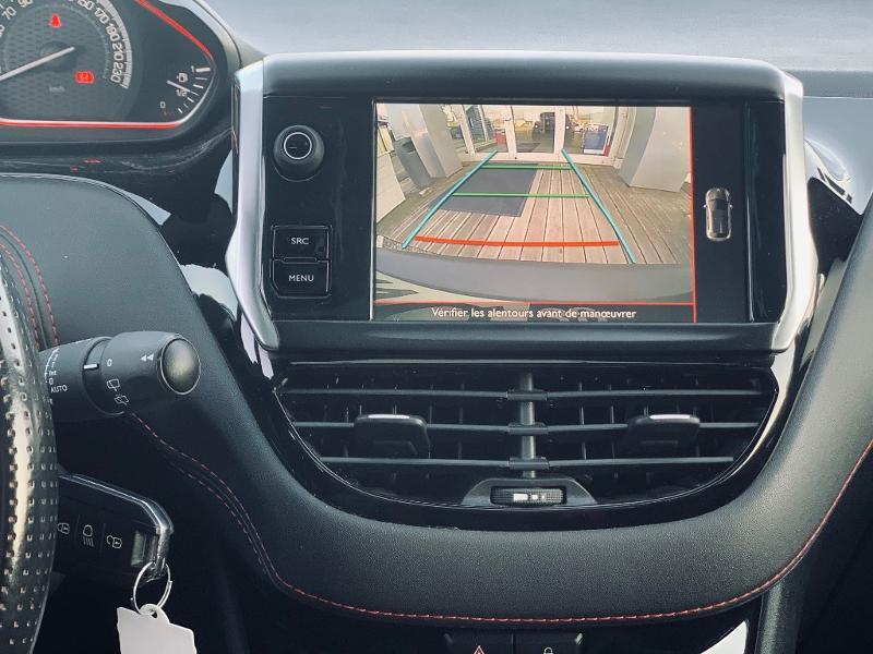 Photo 9 de l'offre de PEUGEOT 208 THP 208 GTi gps camera toit pano garantie 1 an à 17890€ chez Groupe Soriano