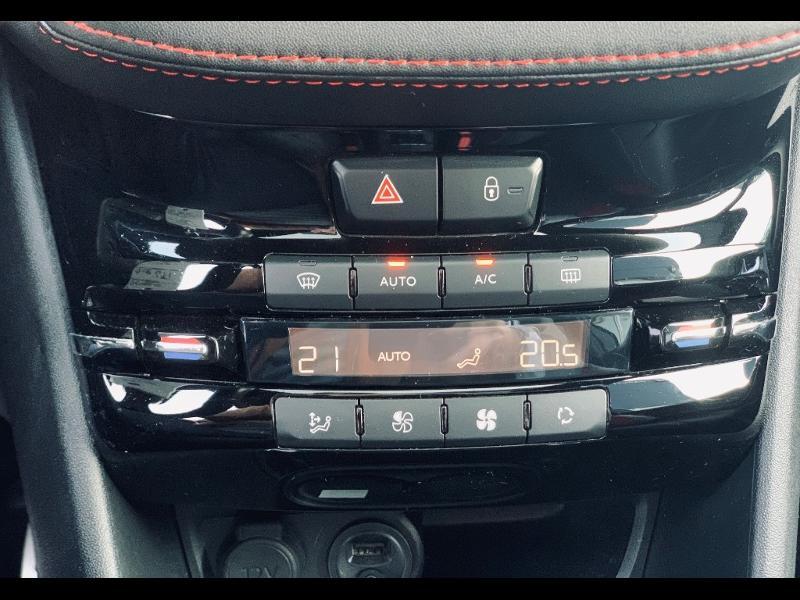 Photo 13 de l'offre de PEUGEOT 208 THP 208 GTi gps camera toit pano garantie 1 an à 17890€ chez Groupe Soriano