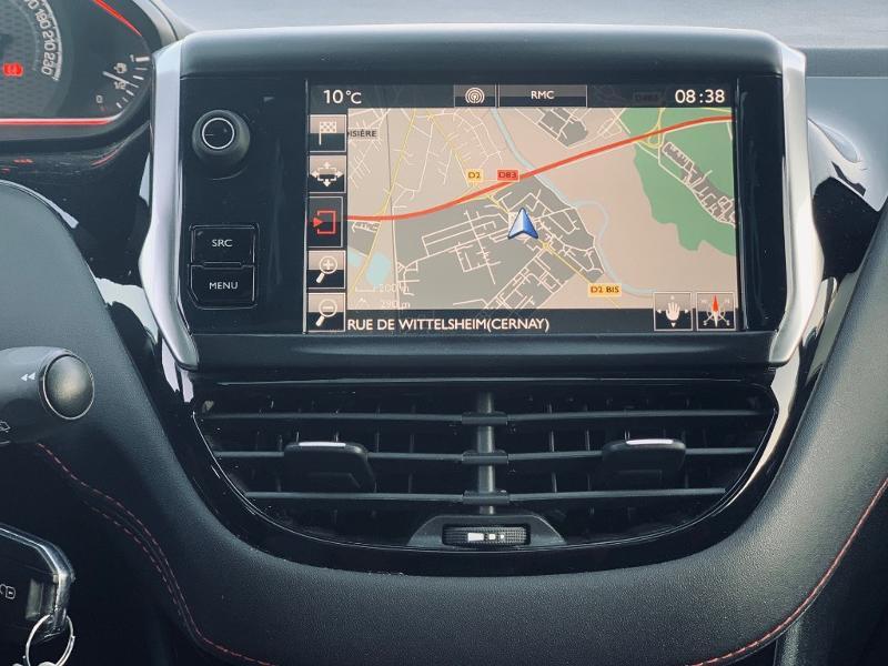 Photo 8 de l'offre de PEUGEOT 208 THP 208 GTi gps camera toit pano garantie 1 an à 17890€ chez Groupe Soriano