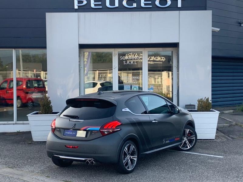 Photo 3 de l'offre de PEUGEOT 208 THP 208 GTi gps camera toit pano garantie 1 an à 17890€ chez Groupe Soriano
