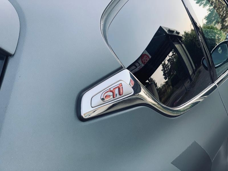 Photo 20 de l'offre de PEUGEOT 208 THP 208 GTi gps camera toit pano garantie 1 an à 17890€ chez Groupe Soriano