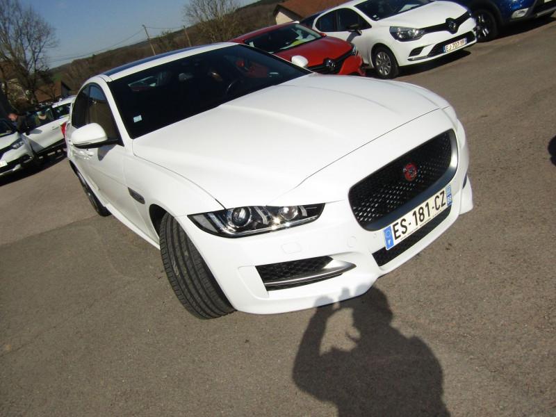 Jaguar XE R-SPORT 2L D 180 CV AWD 4X4 GPS JA 18 TOIT PANO BOITE AUTO + PALETTES XÉNON USB Diesel BLANC CRISTAL Occasion à vendre