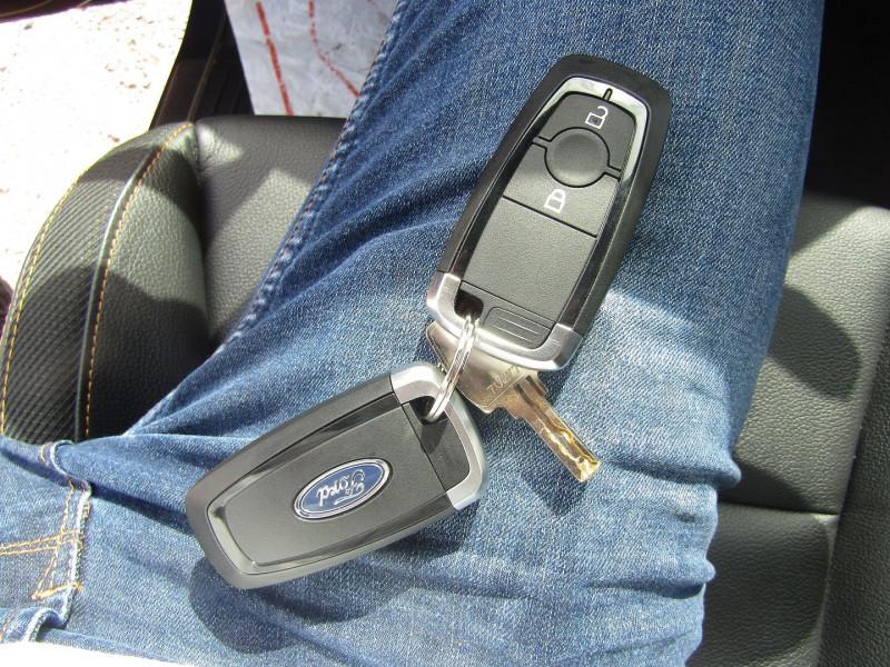 Photo 14 de l'offre de FORD RANGER III SUPER CAB WILDTRACK 2L TDCI 213 CV BI-TURBO 4X4 GPS CAMÉRA ATTELAGE COUVRE BENNE à 39800€ chez Bougel transactions