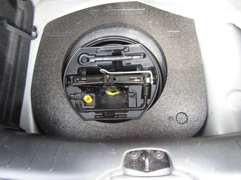 Photo 8 de l'offre de CITROEN DS3 THP 155 CV SPORT CHIC BI-TONS PK HIVER CLIM USB JA 17 RADAR BLUETOOTH RÉGULATEUR à 9990€ chez Bougel transactions