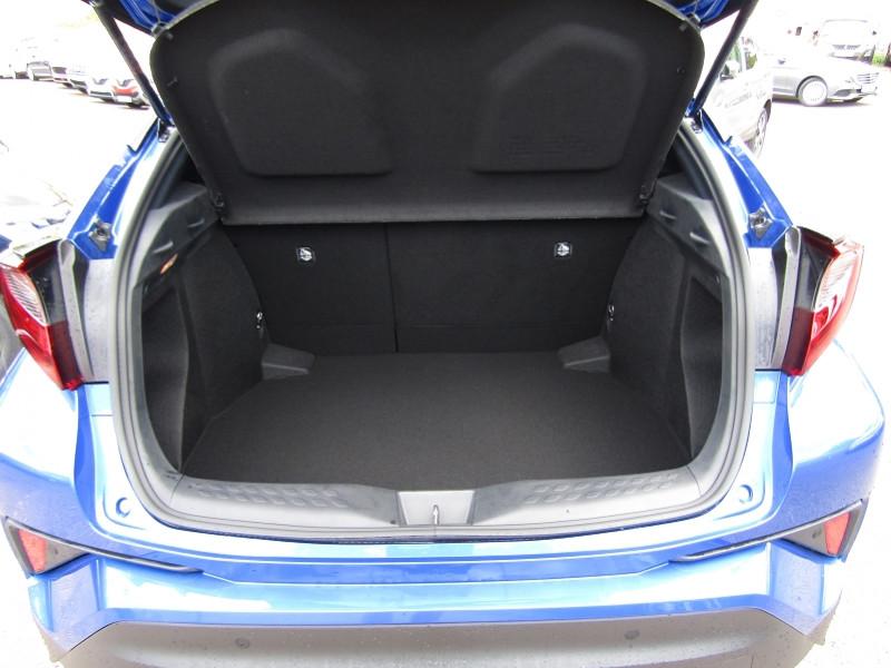 Photo 7 de l'offre de TOYOTA C-HR 1L8 HYBRID 122 CV STYLE GPS LINK USB CAMÉRA FULL LED JA 18 RÉGULATEUR BOITE AUTO à 23990€ chez Bougel transactions
